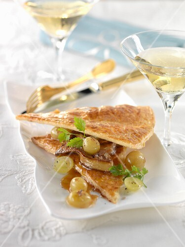Sauternes foie gras and Chasselas grape flaky pastry starter