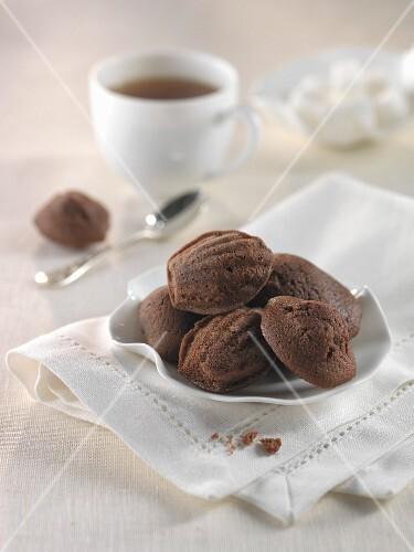 Madeleines mit Kakao und Honig