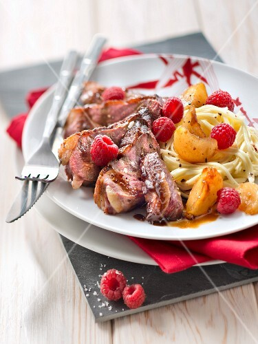 Duck breast with honey, soy sauce and raspberries, tagliatelle with turnip confit