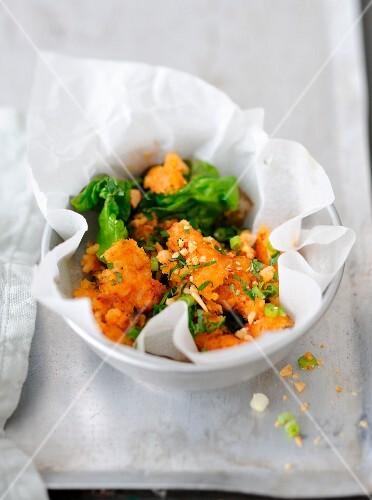 Nem thadeua,crisp rice and coconut salad