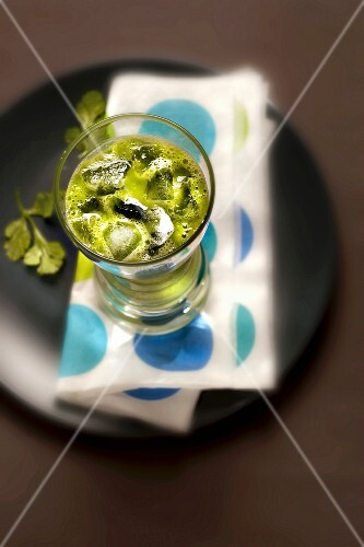 Cucumber juice with coriander