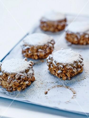 Succès mocha (hazelnut buttercream cakes)