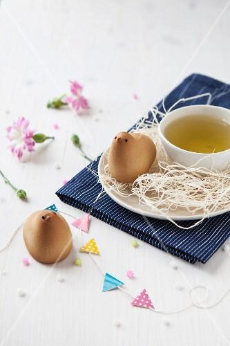 Gebäck zum Tee in Form eines Hiyoko-Küken
