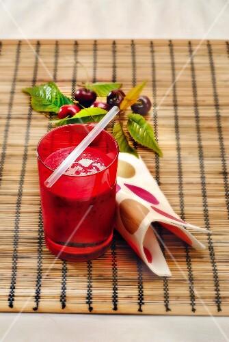 Cherry-banana and cardamom smoothie