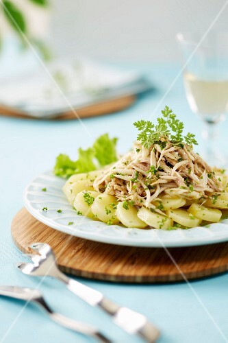 Shredded skate with steamed potatoes and chervil