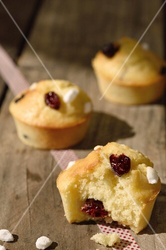 Cranberry cakes with sugar