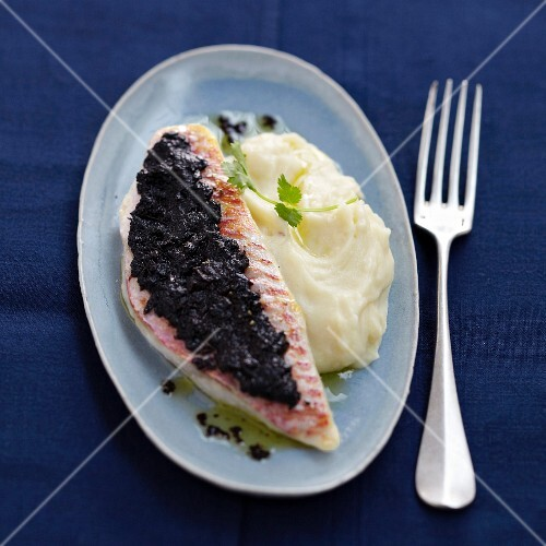 Red mullet fillet topped with tapenade and homemade mashed
