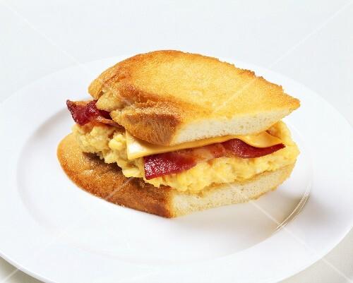 panini mit r hrei bacon und k se bilder kaufen 636763. Black Bedroom Furniture Sets. Home Design Ideas