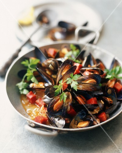 Steamed Mussels with Chorizo in a Skillet