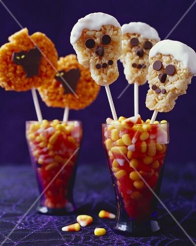 Halloween Rice Krispie Treat Pops