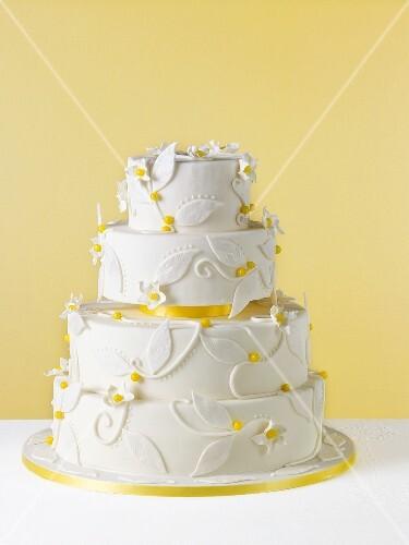 Weisse Hochzeitstorte Zitronentorte Bilder Kaufen 687717