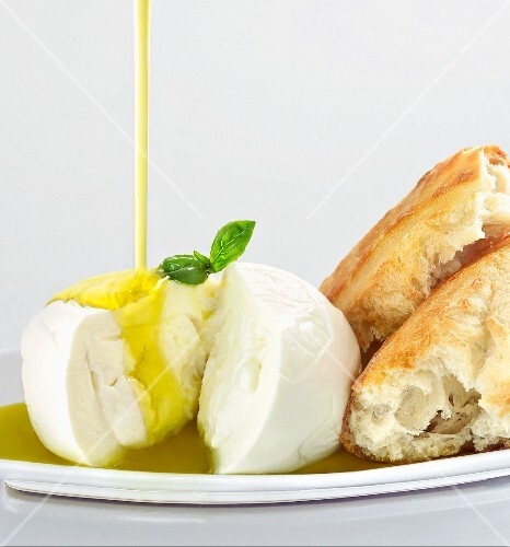 Burrata cheese with olive oil and crusty bread