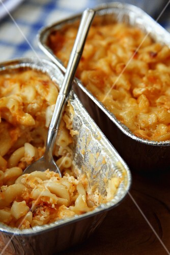 Macaroni and Cheese in Aluschalen