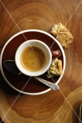 Espresso und biscotti (Italian coffee and biscuits)